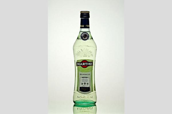 Demerung Stúdió - Martinyak ital - Martini Bianco