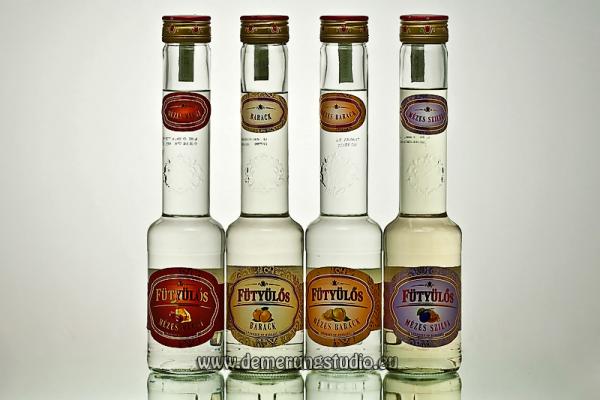 Demerung Stúdió - Martinyak ital - Fütyülős pálinkák termékfotó