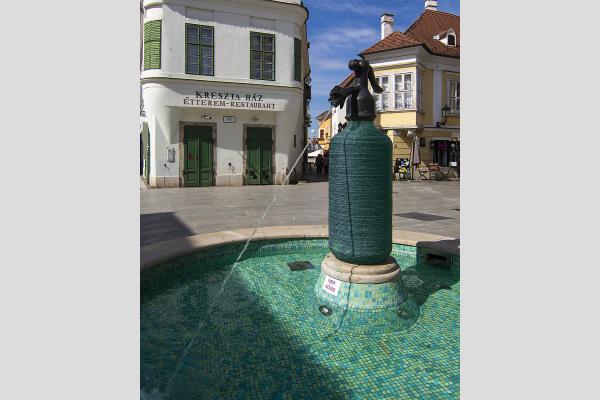 Szódás szifon, Jedlik-csobogó Győr